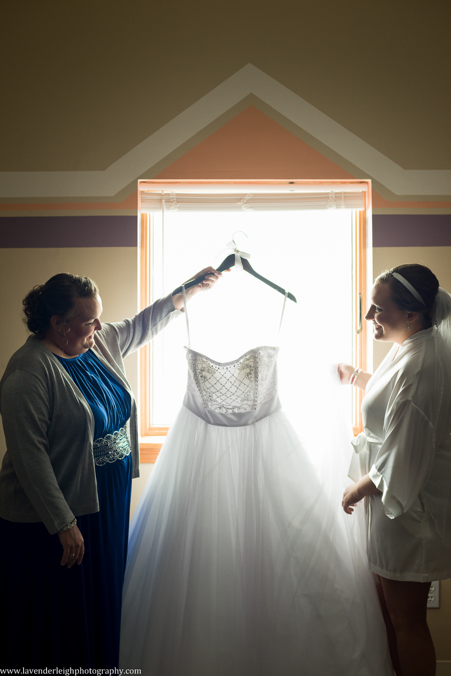 Bride and Mother|Getting Ready | The Crystal Room| Harvest Community Church | Winter Wedding| Pittsburgh Wedding Photographer | Pittsburgh Wedding Photographers | Lavender Leigh Photography | Blog