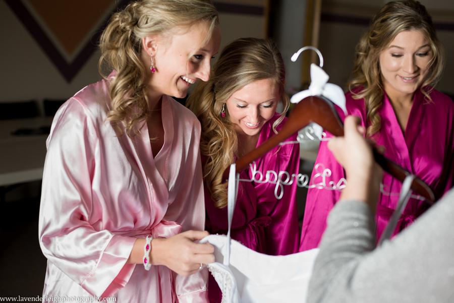 Bridesmaids|Getting Ready | Crystal Ballroom| Harvest Community Church | Winter Wedding| Pittsburgh Wedding Photographer | Pittsburgh Wedding Photographers | Lavender Leigh Photography | Blog