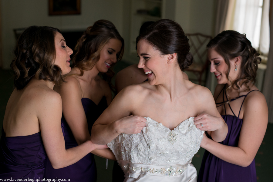 Bride and Bridesmaids | Getting Ready | Twentieth Century Club| Winter Wedding| Pittsburgh Wedding Photographer | Pittsburgh Wedding Photographers | Lavender Leigh Photography | Blog